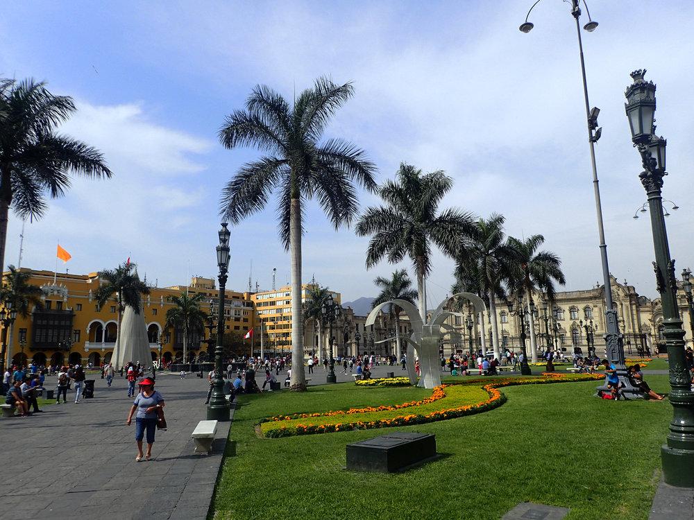 Parque Kennedy Miraflores.jpg