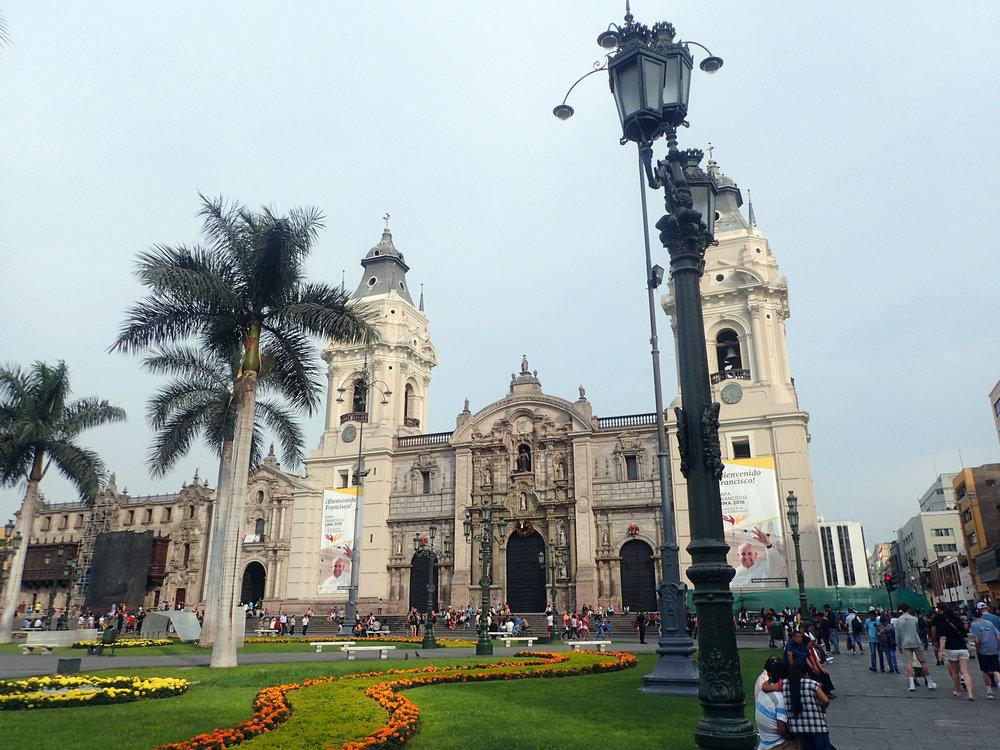 Plaza de Armas cerca 5pm.jpg