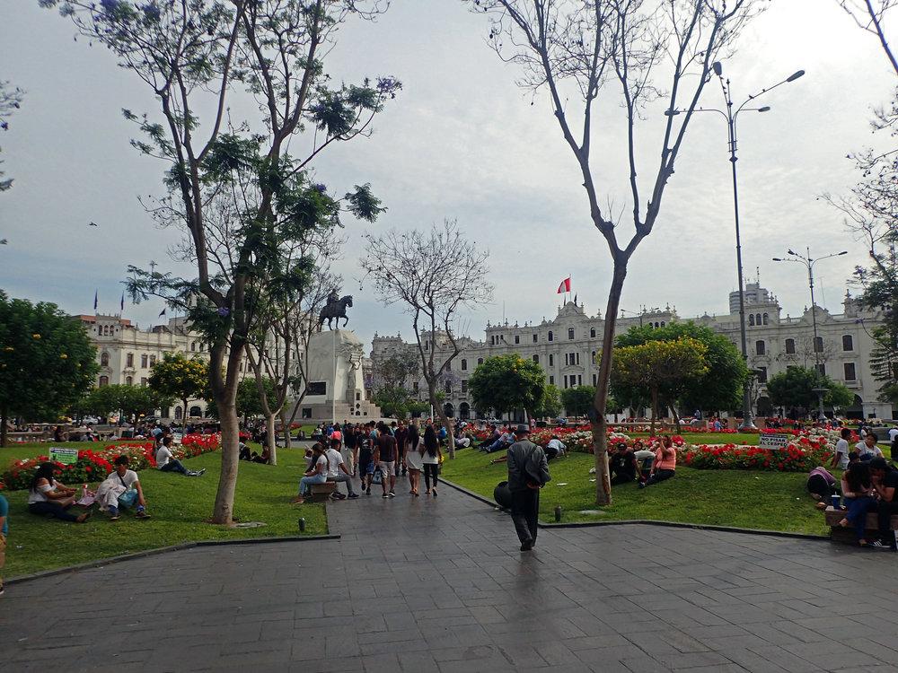 balmy Sunday in Lima.jpg