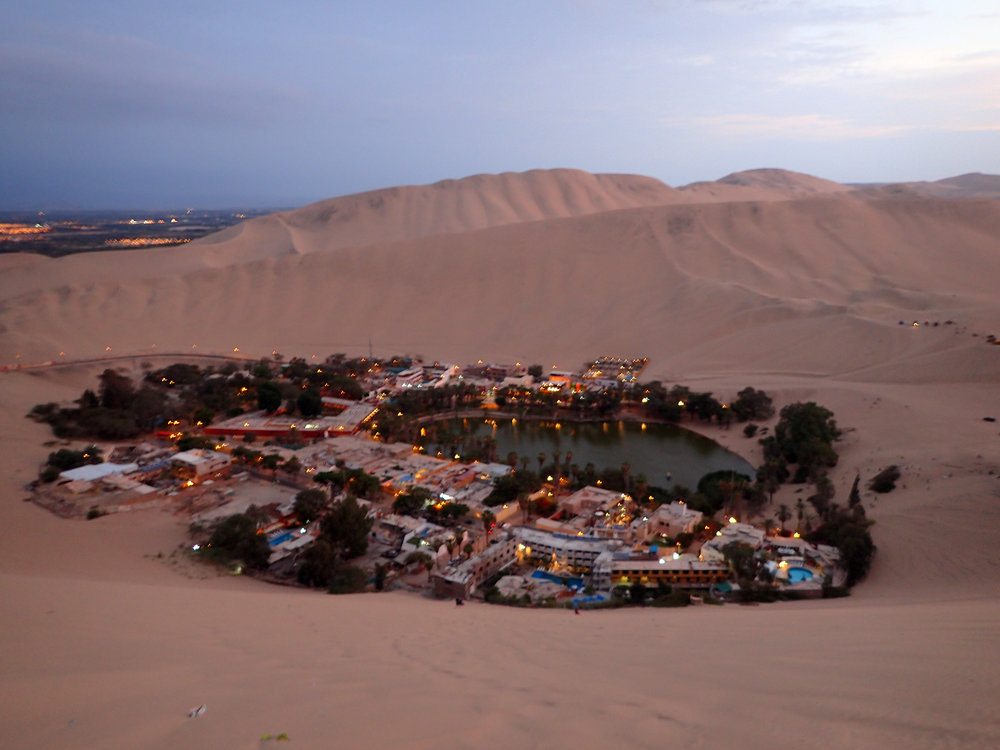 Huacachina at sunset.jpg
