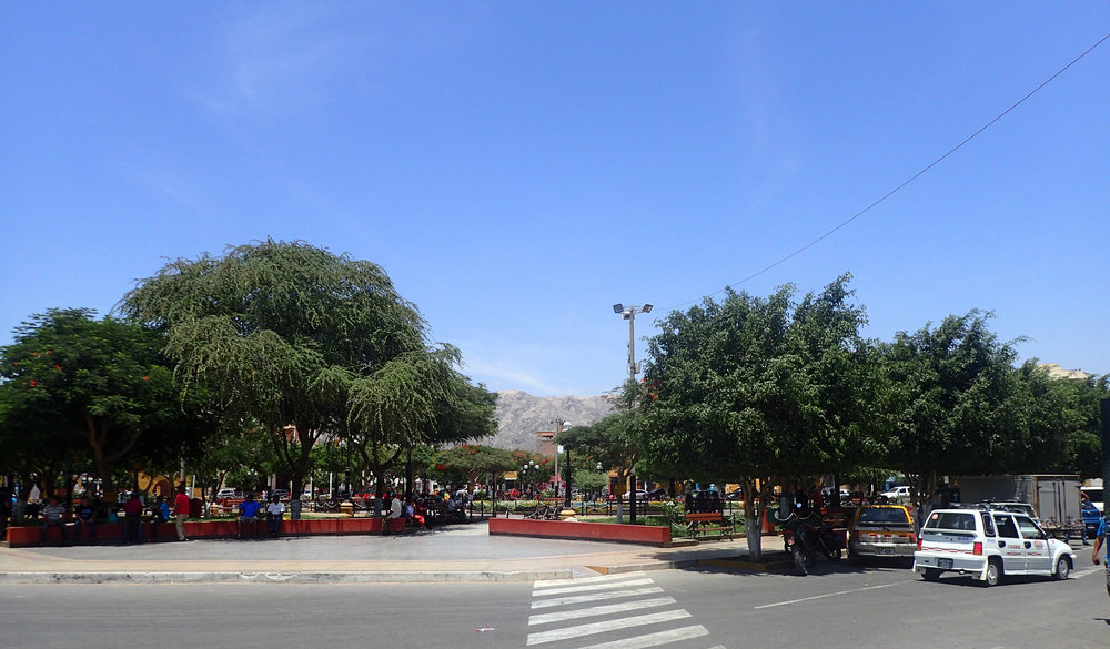 Nazca main plaza.jpg
