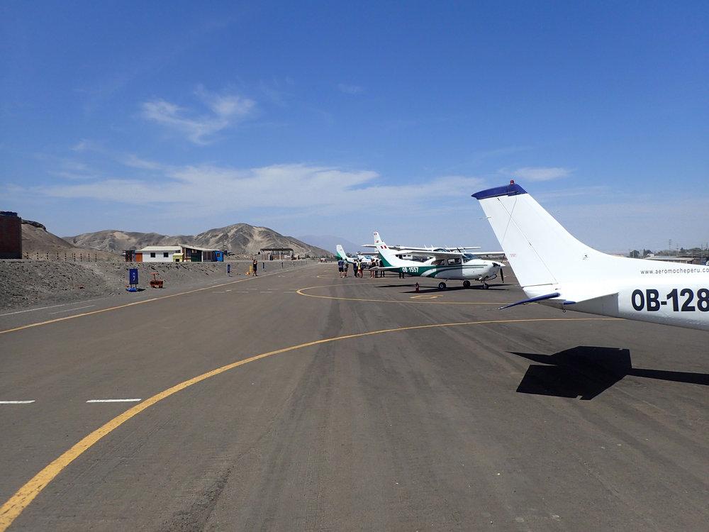 Nazca airfield 2.jpg