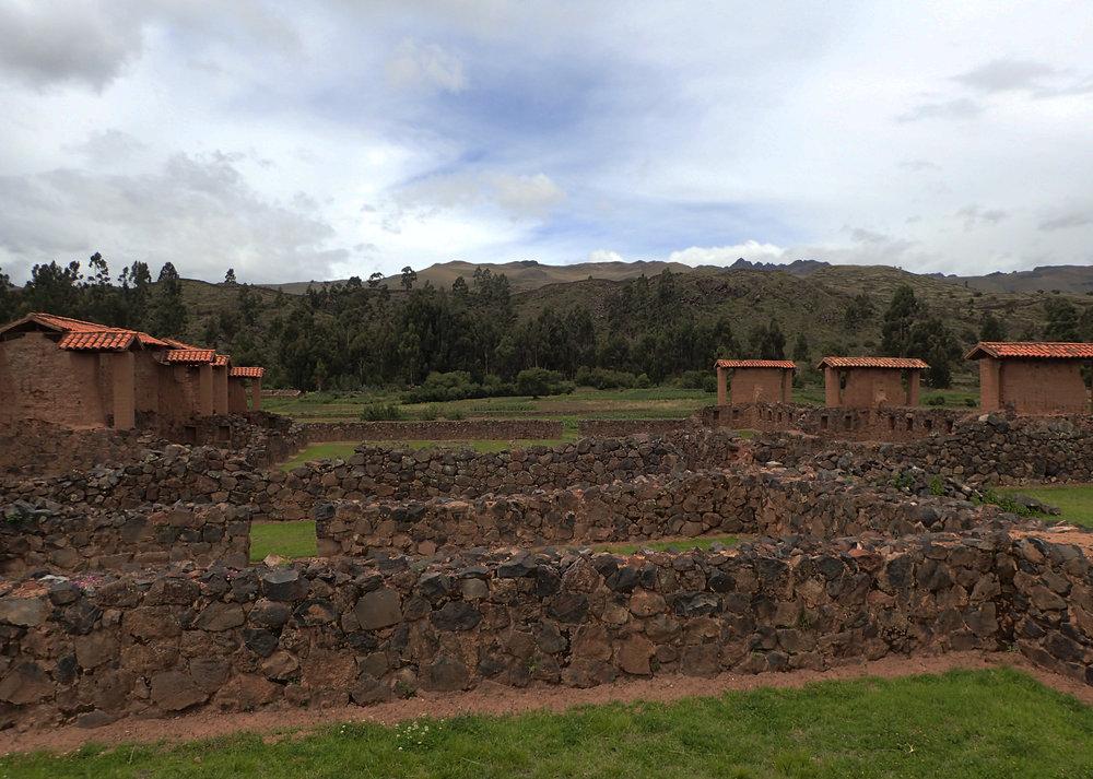 Raqchi ruins.jpg