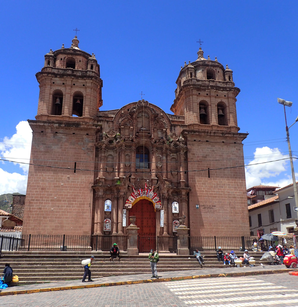 morning stroll in Cuzco.jpg