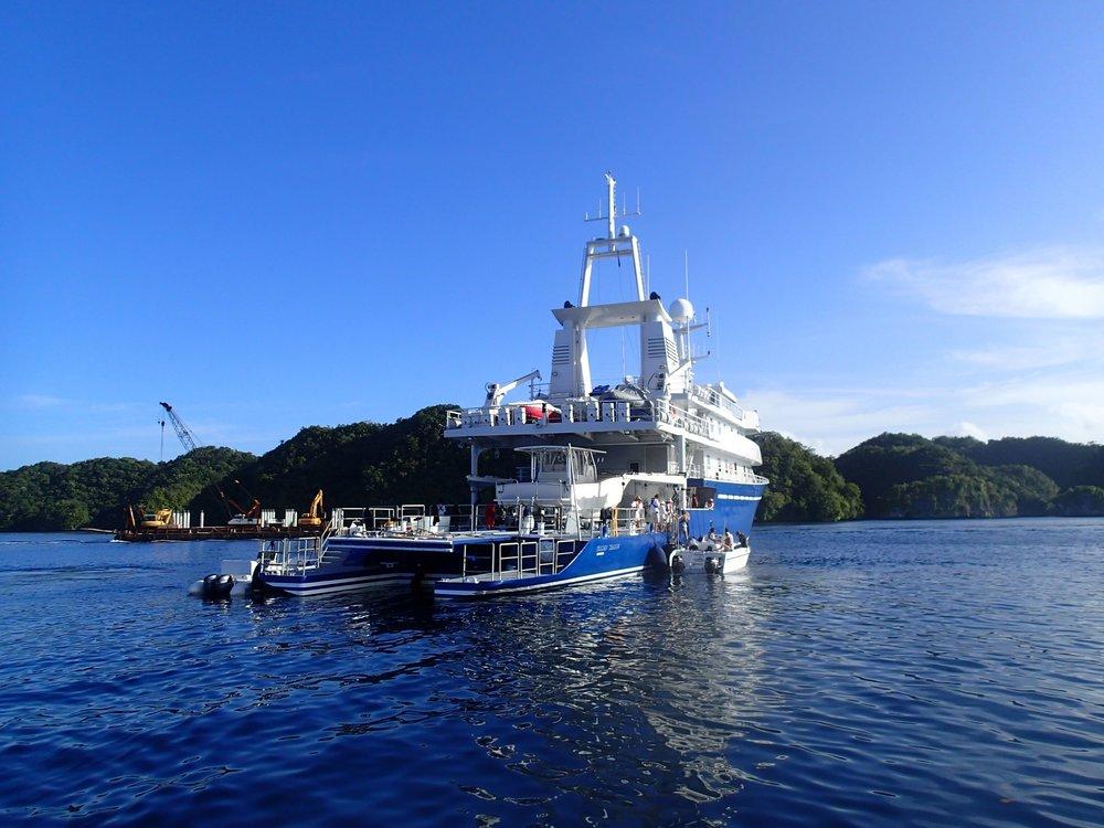 M.Y. Golden Shadow  in Palau