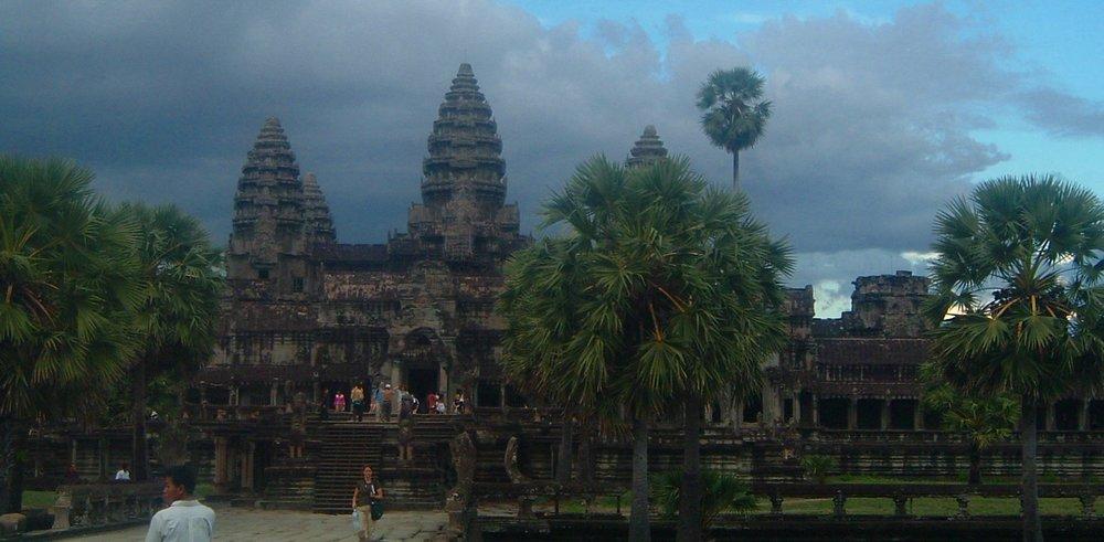 angkor tourists.JPG