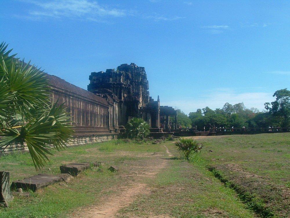angkor entrance.JPG