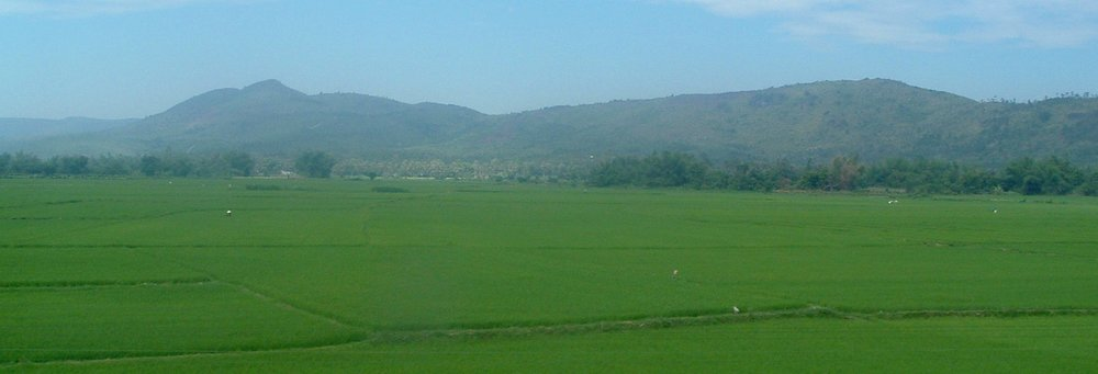 vietnam from the train.JPG