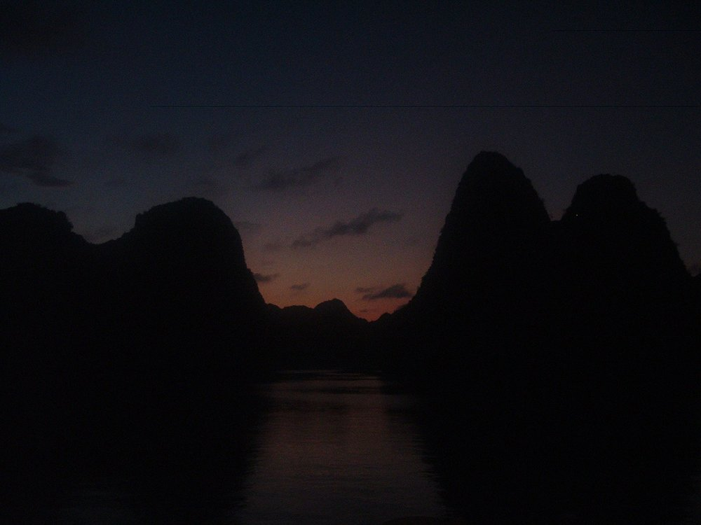halong night 2.JPG