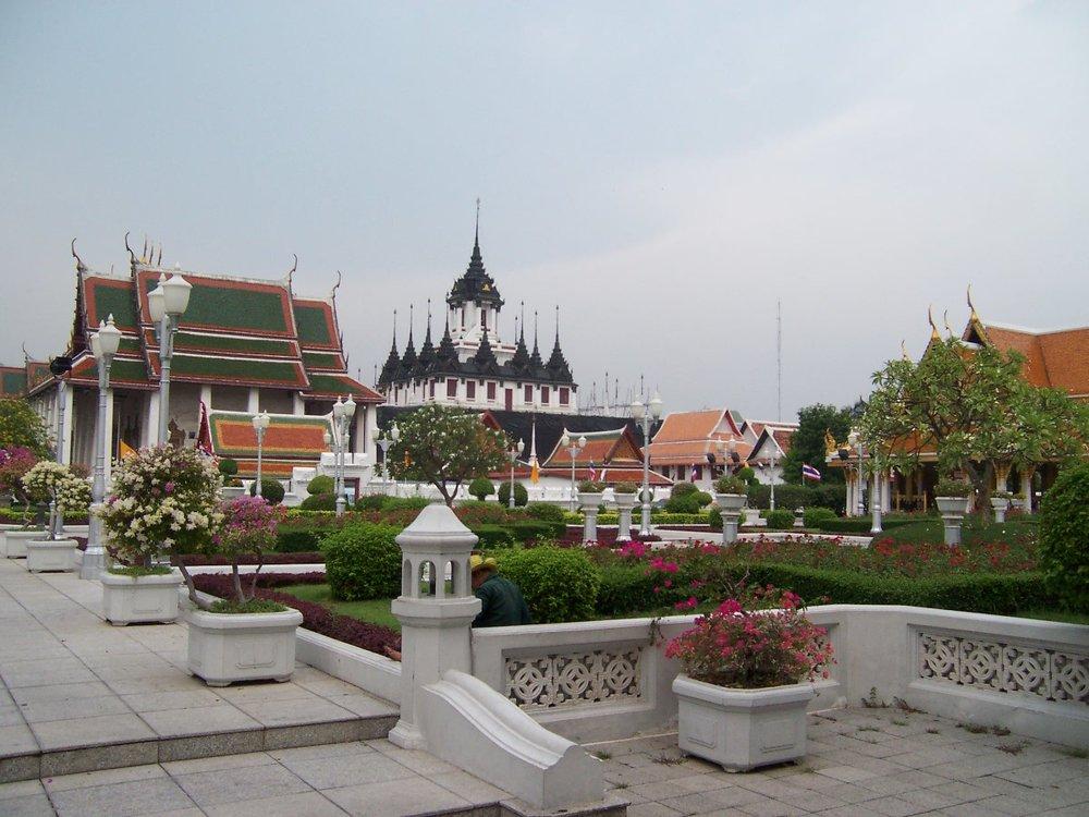 bangkok temple 3.jpg