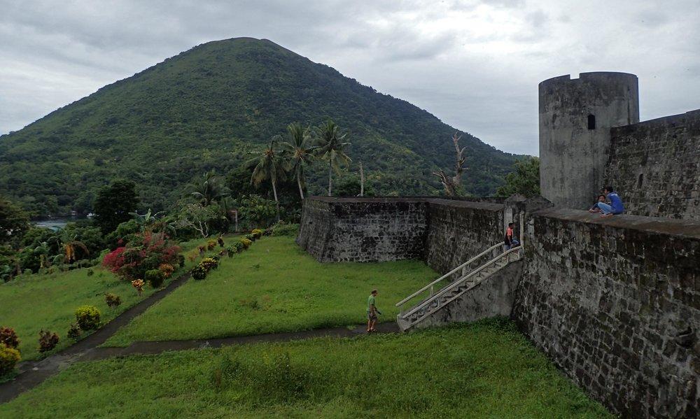 Dutch fort and Gunung Api.jpg