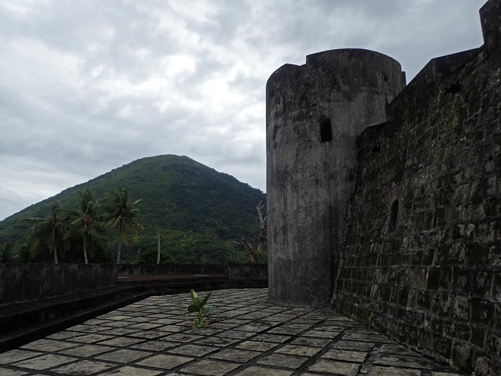 fort and Gunung Api.jpg