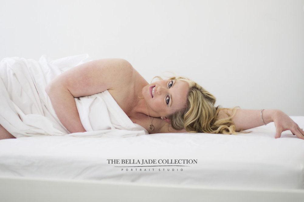 phoenix-scottsdale-az-glamour-photographer-white-sheet-boudoir-photography-the-bella-jade-collection-008