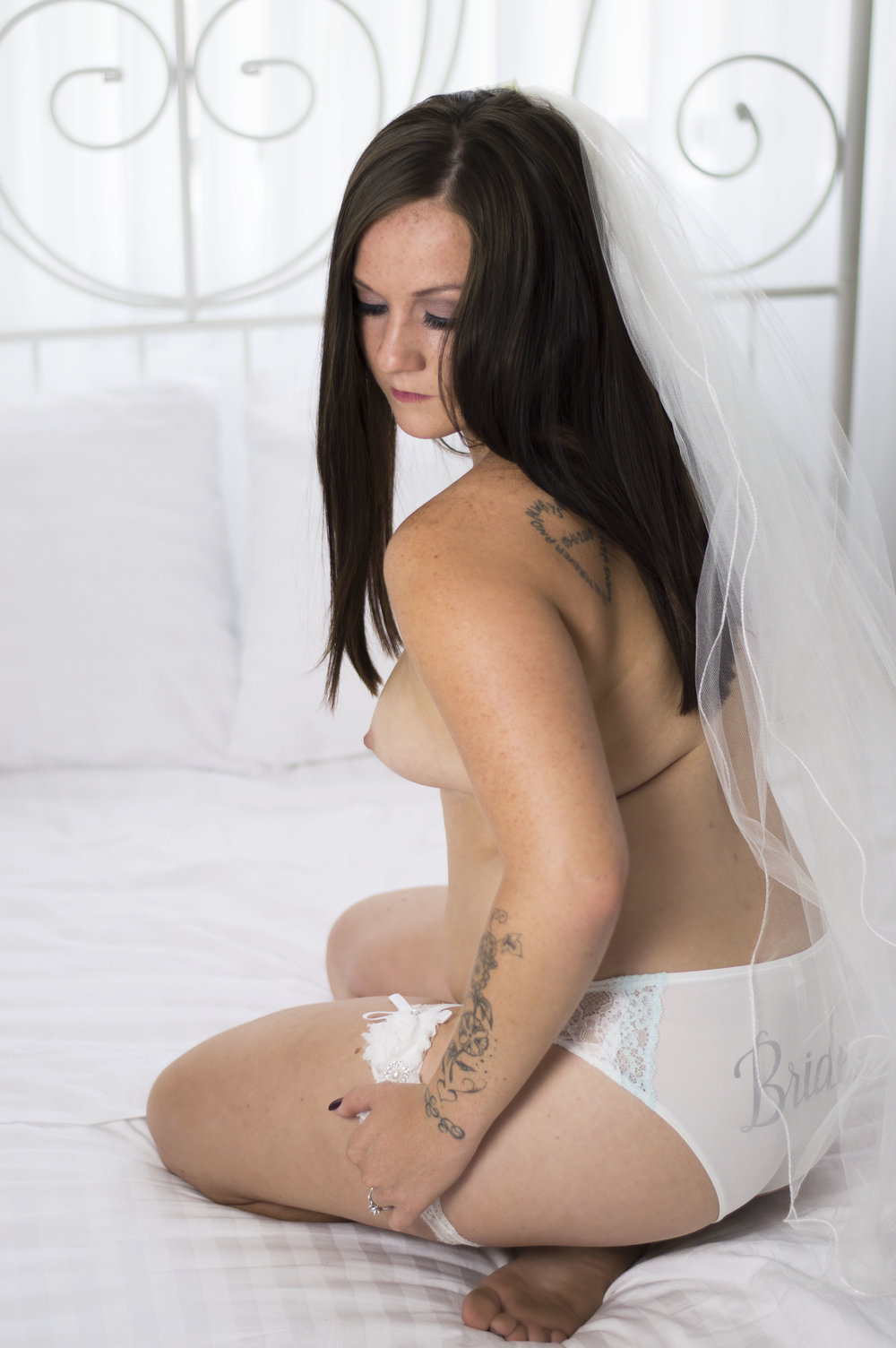 Bridal photography boudoir photographer in Phoenix, Scottsdale, AZ The Bella Jade Collection private photo shoots
