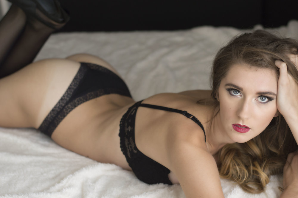 Boudoir Photographer in Phoenix Arizona