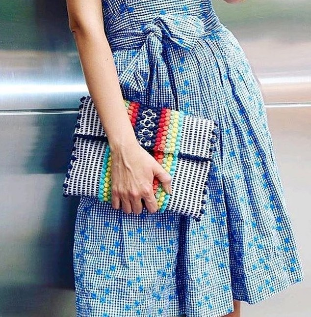 Taking our #AntonelloTeddeBag out for a stroll ☀️ . . . . #AntonelloTedde #AntonelloBag #EcoFriendlyFashion #Italian #Handwoven #Totes #ClutchBag