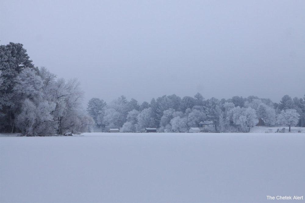 hoar frost lake 1500 x 1000.jpg