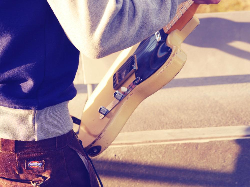 Guitar Geeks erbjuder GITARRSERVICE, INBYTEN samt FÖRSÄLJNING av gitarrer, förstärkare och tillbehör.