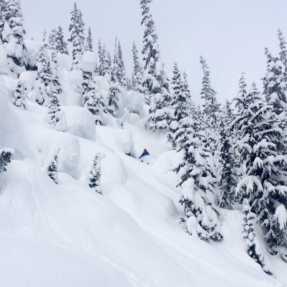 Stacked pillows, deep skiing