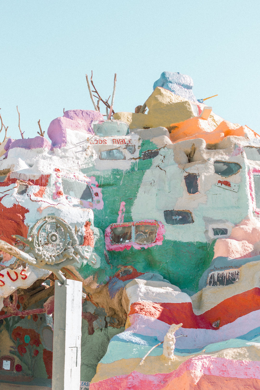 salvation mountain 13