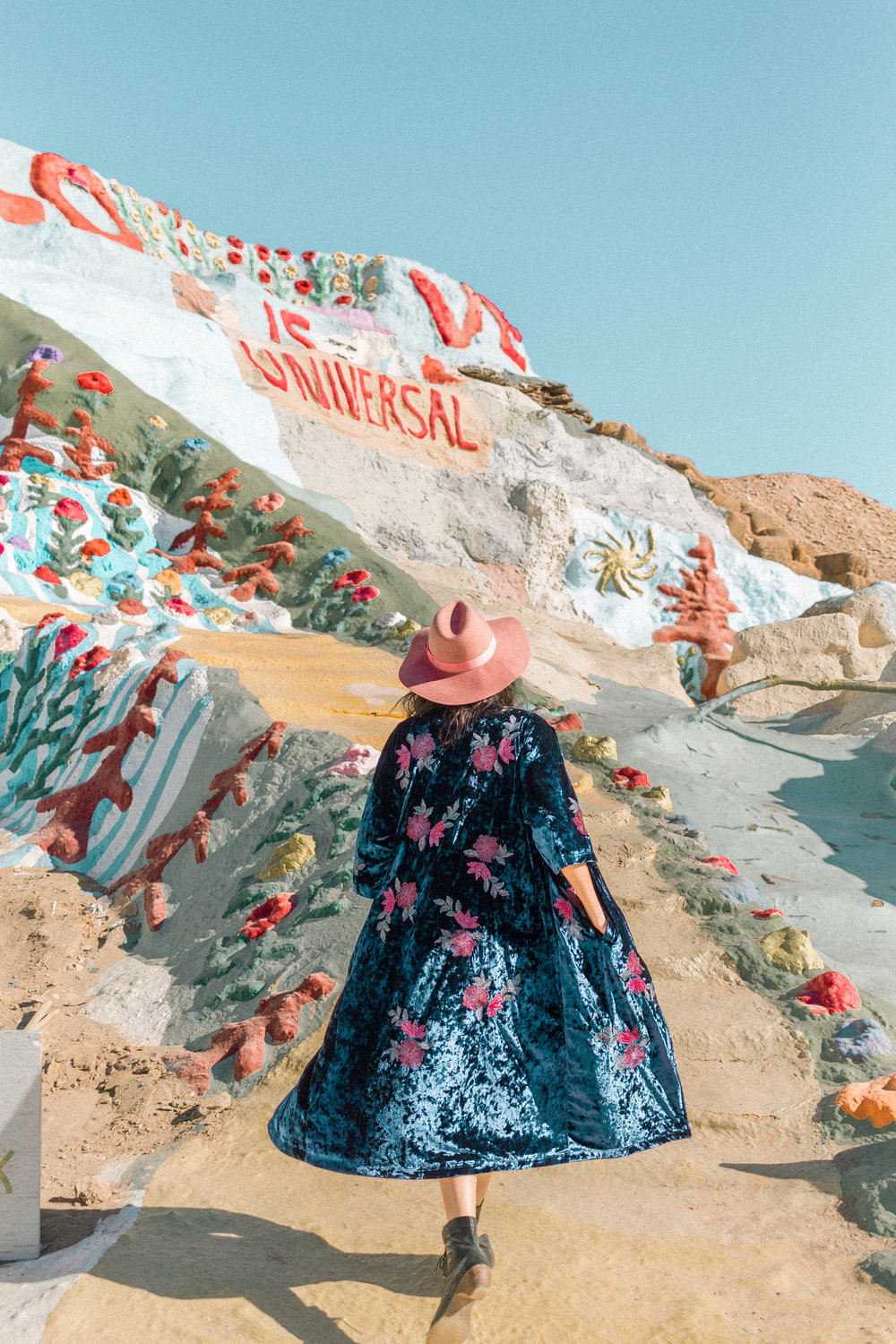 salvation mountain 15