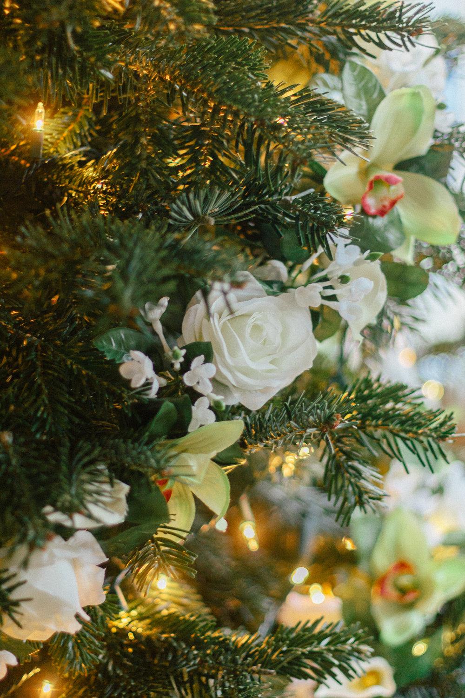 floral christmas tree 15