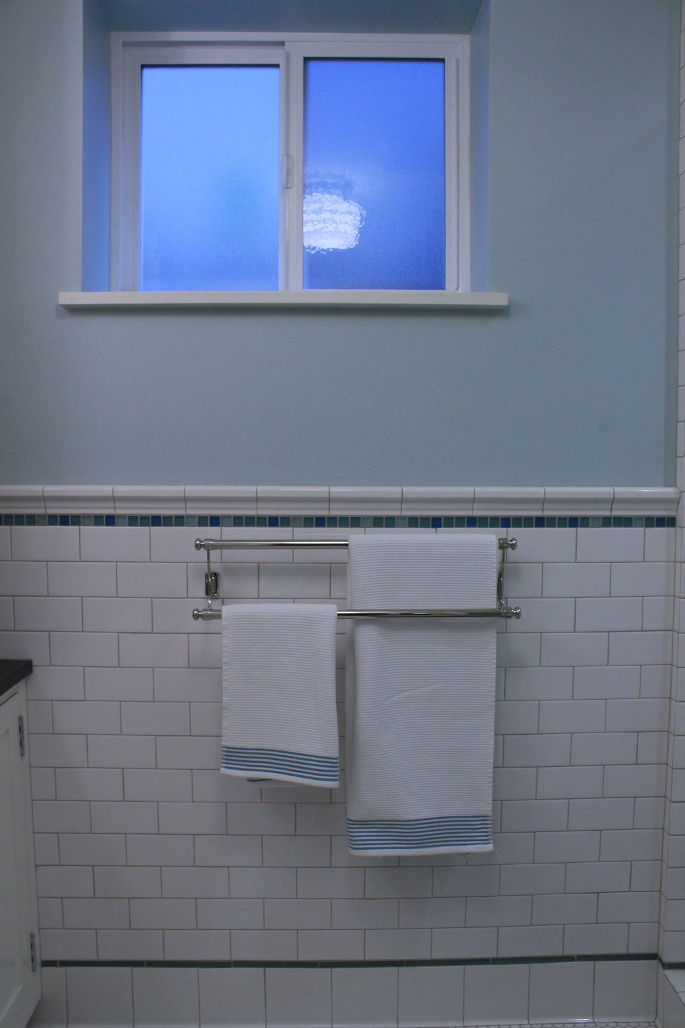 10bathroom4.JPG