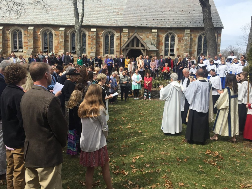 Easter Mass on Grass 3.jpg