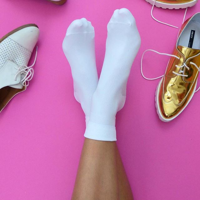 "@sarikathakorlal ""I've searched high and low for the perfectly preppy, whiter-than-white ankle sock [and] I've finally found The Ones. Thanks Hot Sox. #HomeInHotSox."""