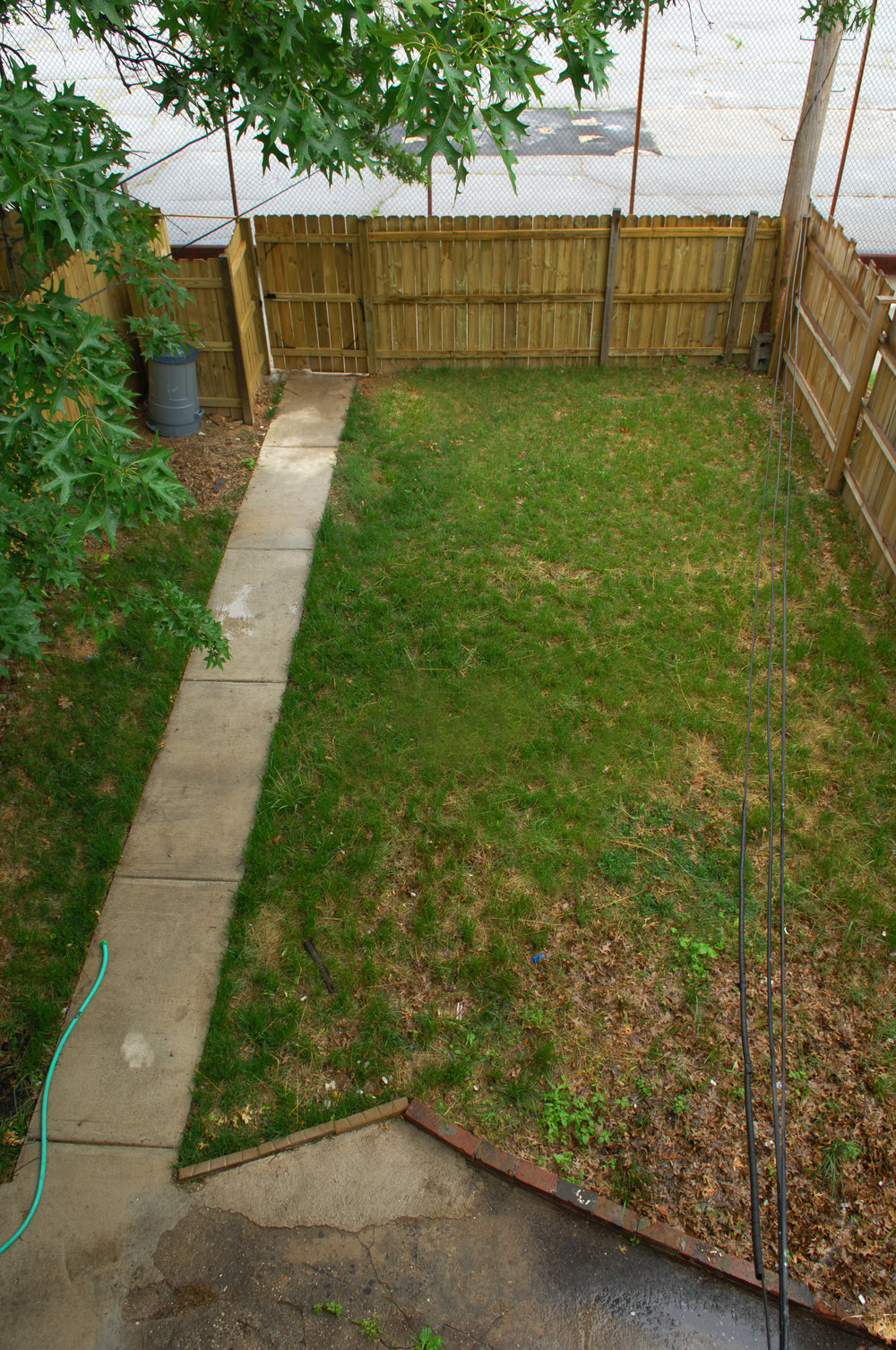 315 fenced back yard.JPG