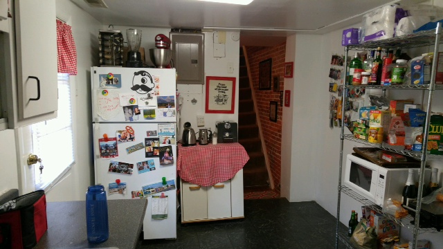 Kitchen 2.jpg