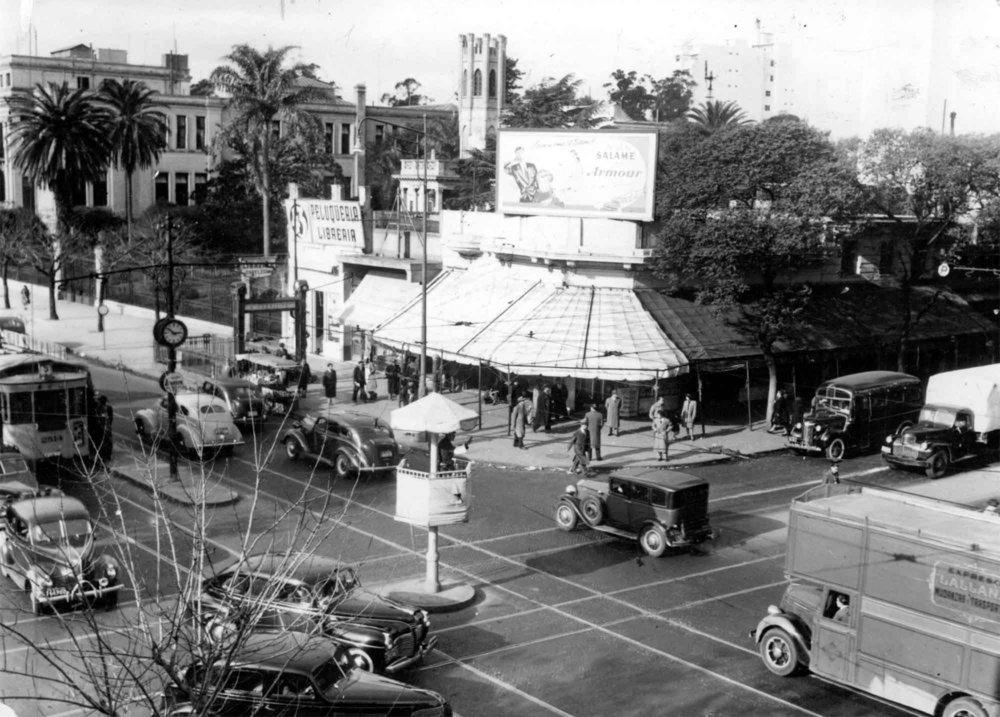 Avenida Rivadavia circa 1947