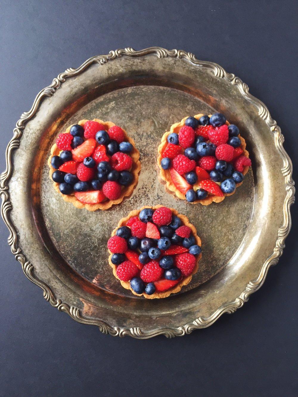 Paleo berry tarts