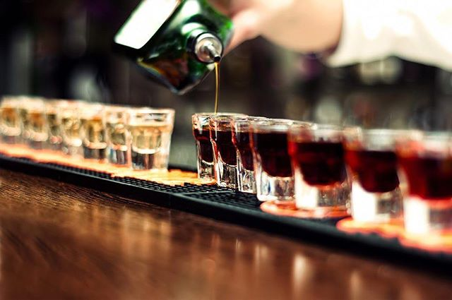 It's the long weekend and you know what that means, shots! We've got $4 Fireball, Jagermeister, Jamesons and Burt Reynolds shooters tonight! Get your weekend started the right way... . . . #yyc #calgary #bar #drink #drinks #beer #beerme #drinklocal #drinkspecials #happyhour #shots #pubfood #yycfood #publife #feature #sports #wings #patio #summer #oysters #weekend #longweekend #party