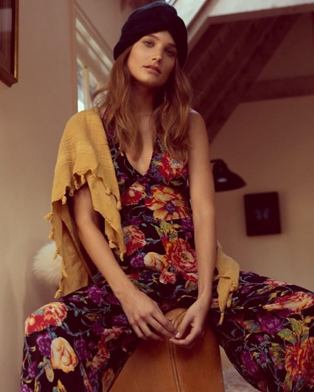 Boho babe @angelinesuppiger in our Billy jumpsuit! We are open from 11-8pm today. See you soon!