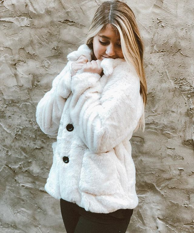 Baby is cold outside ❄️ . . . #smallbusiness #shoplocal #holidayshopping #downtownbirmingham #alabama