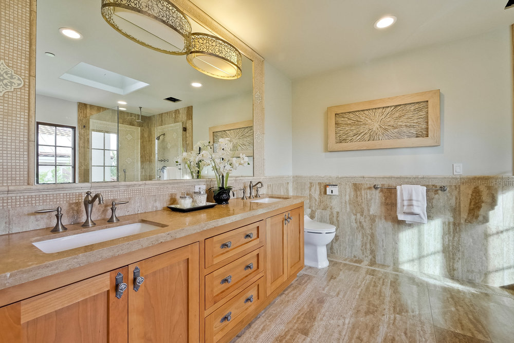09d_Master Bathroom      1.jpg