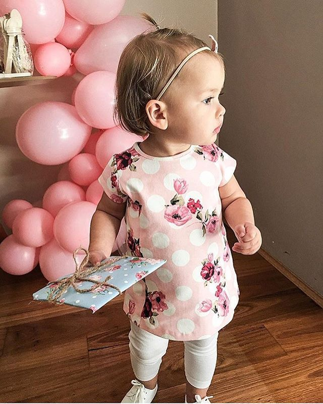💕How adorable is this little one and the outfit she's wearing?! By @lovedbyemily #kidzfashion