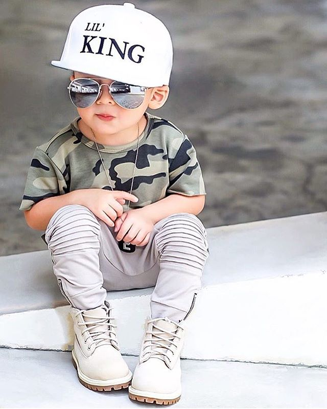 Does this kid get any cooler?!😎 @biorkpink #kidzfashion
