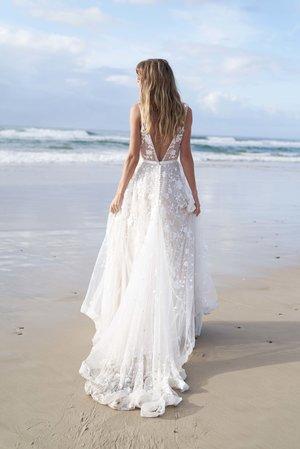 cb5bea319478 ANNA CAMPBELL — Unique, Boho Vintage Designer Wedding Dresses ...