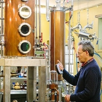 FACT: Our head distiller Phil is meticulous when it comes to his distilling. So far, his attention to detail has paid off, winning him seven gold medals and six silver medals internationally 🥇🥈 Photo courtesy of @jacspowell 📷 #distillerybotanica #awardwinninggin #centralcoastscenicsips . . . . . #distillery #gindistillery #gintasting #masterdistiller #gin #ginsofinstagram #distillerybotanica #mooresgin #mooresdrygin #mrblack #skillionvodka #cocktails #cocktailsoftheworld #cocktailsofaustralia #gincocktails #mixology #australia #centralcoast #centralcoasttourism #centralcostnsw