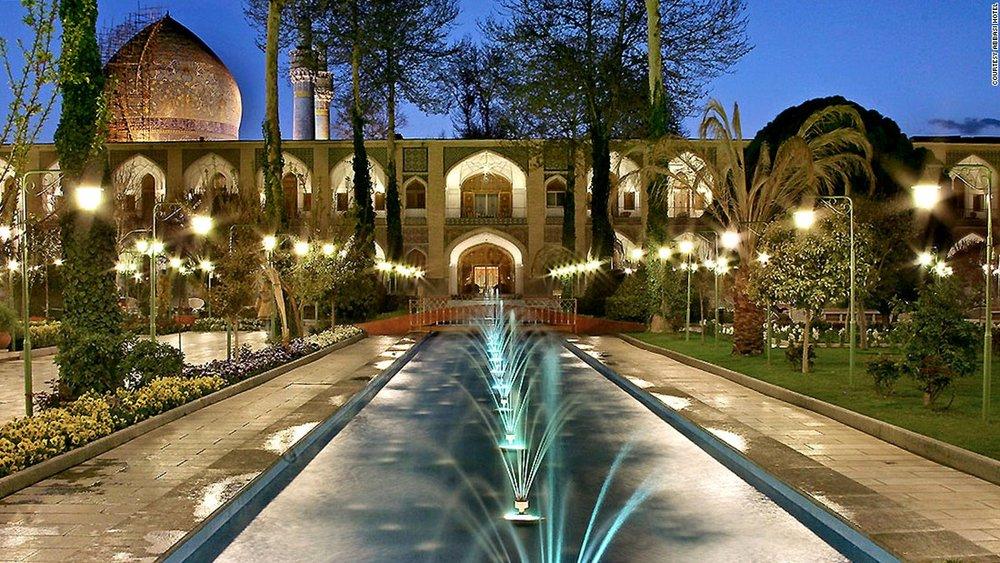 170228111024-iran-abbasi-hotel-header-1400-1-2-super-169.jpg