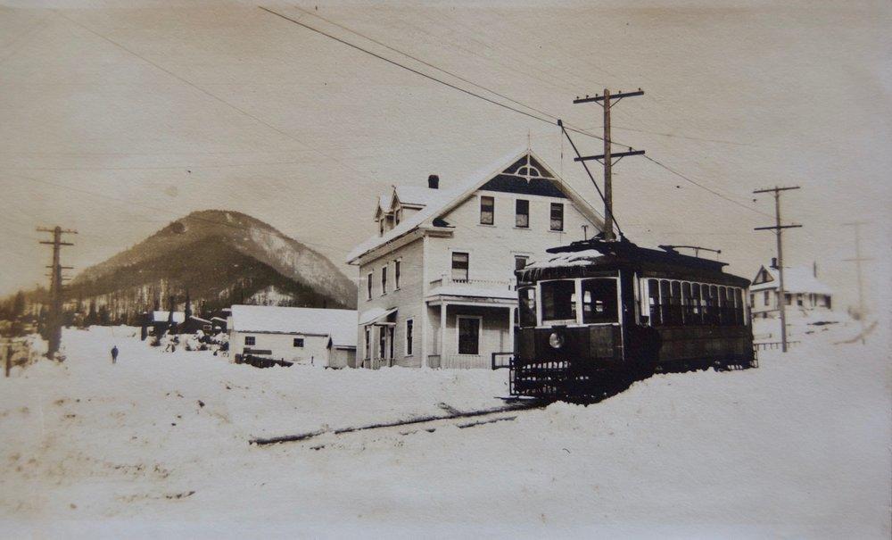 Dovercourt Hotel (Lynn Valley Hotel), 1916.