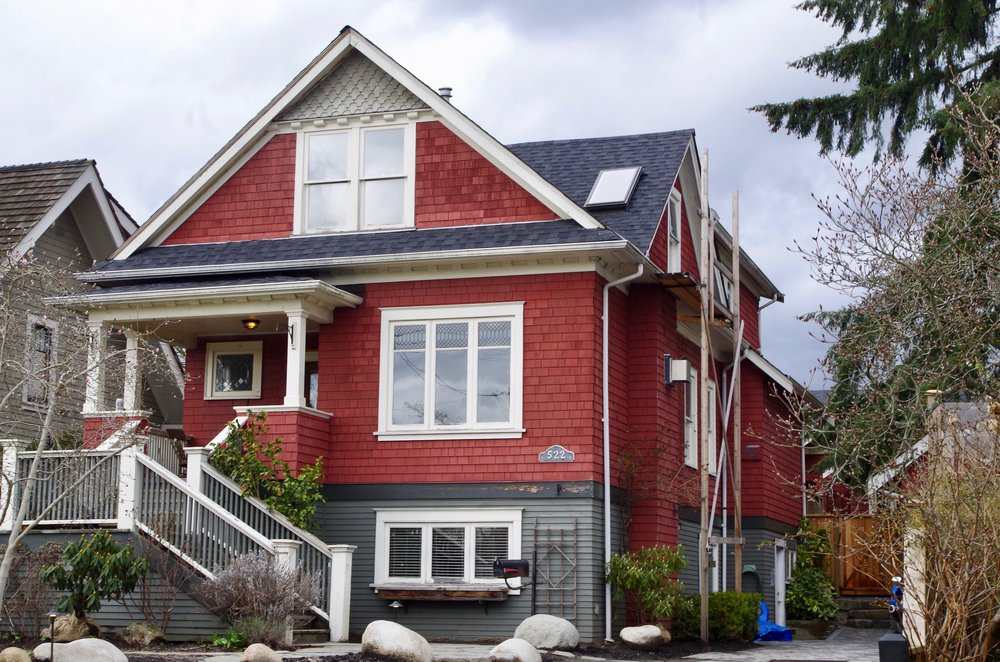 Good TIPS FOR BUYING A HERITAGE HOUSE