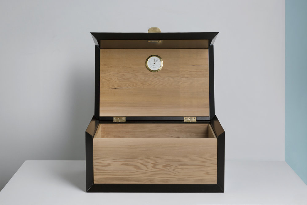 Thomas Trad, Oscura the Cigar Box.jpg