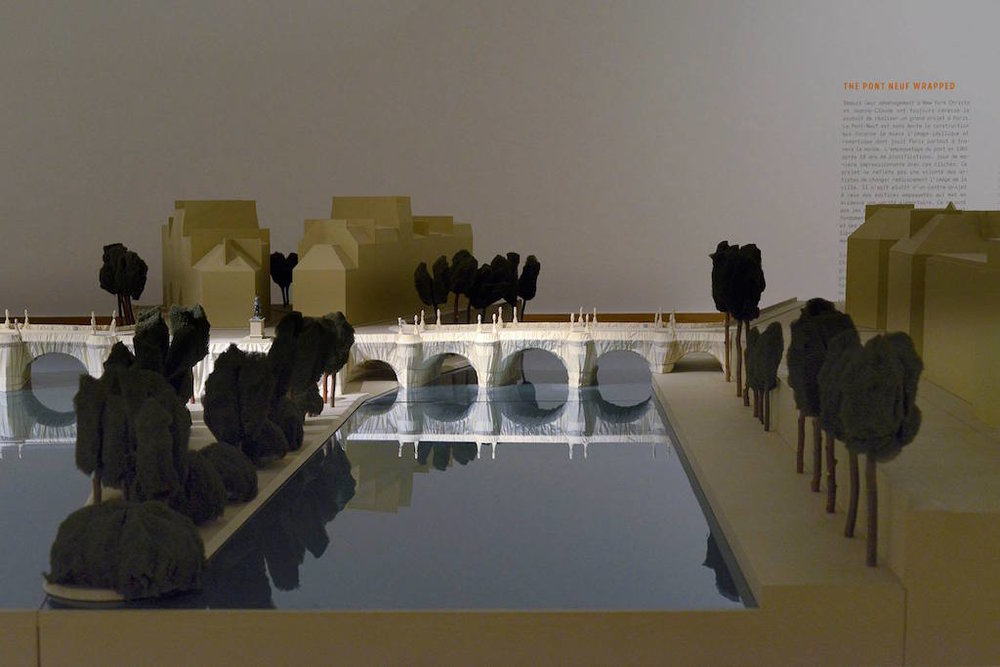 Christo et Jeanne-Claude, Maquette The Pont Neuf Wrapped, 1985, collection de l'artiste, vue d'exposition, photo P. Mahieu