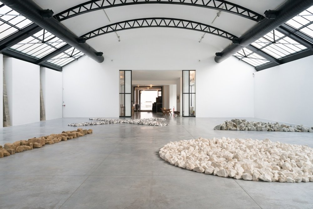 Richard Long,  Along The Way,  vue d'exposition, Fondation CAB. Image courtesy: Fondation CAB