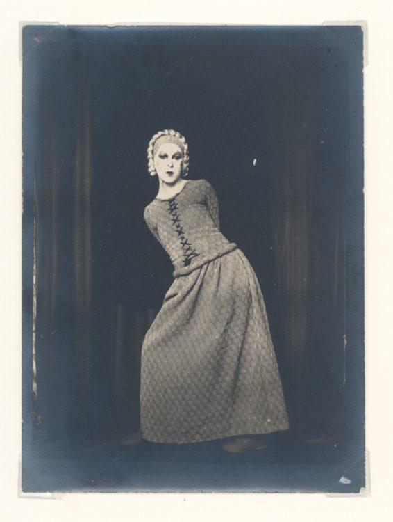 Claude Cahun, Self portrait as Elle in Barbe Bleu, 1929