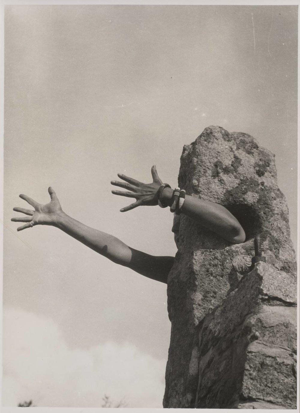 Claude Cahun, I Extend My Arms, 1931-32