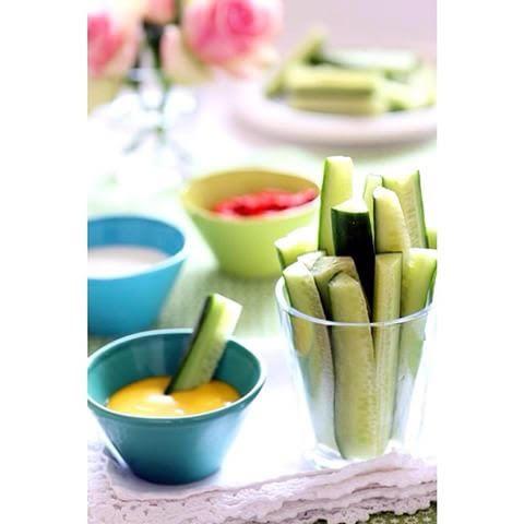 """Grønnsaker og dip i kantina   Sett opp deres egen """"grønnsaker og dipbar"""" i kantina. Her bruker dere ulike typer grønnsaker, og dere kan bruke flere typer dip!"""